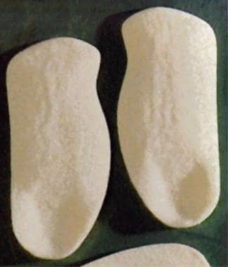 Example of arch support with cushioned heel. These