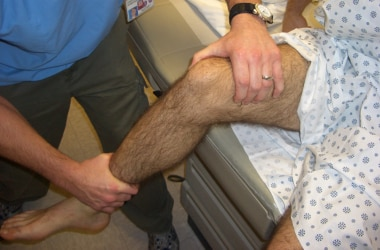 Positioning for lateral patellar reduction.