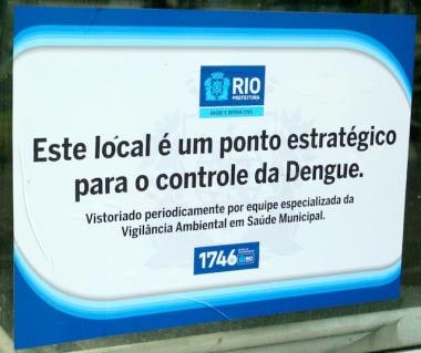 Dengue Virus Notice posted outside Maracanã Stadiu