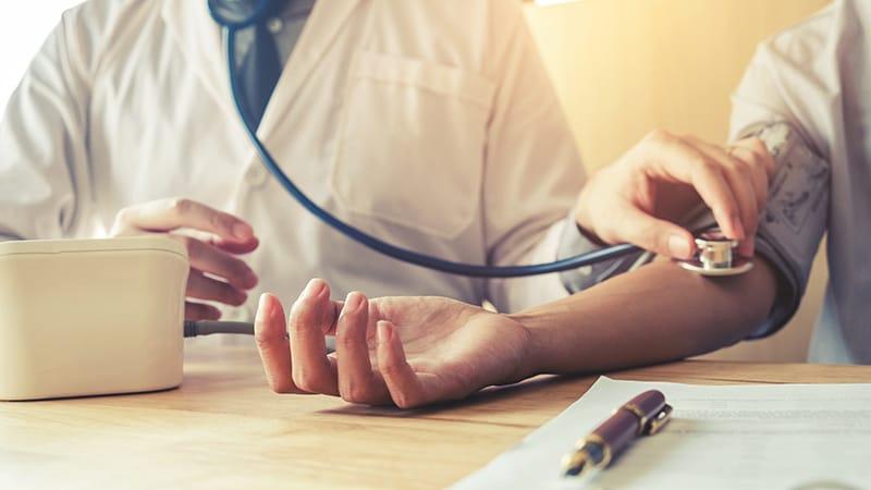 Lectura de la presión arterial 150/95
