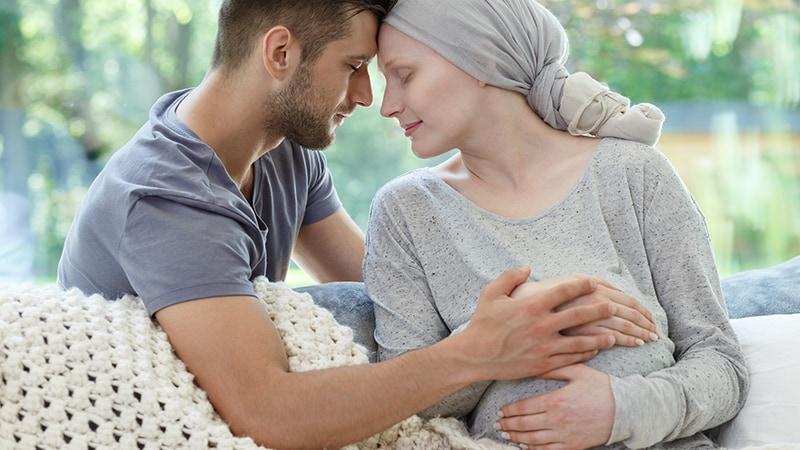 Individualizar, vigilar posibles mutaciones y evitar el subtratamiento en el cáncer de mama asociado al embarazo