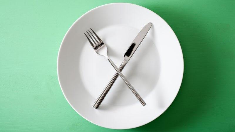 El ayuno moviliza grasas y el desayuno bajo en carbohidratos suprime el hambre