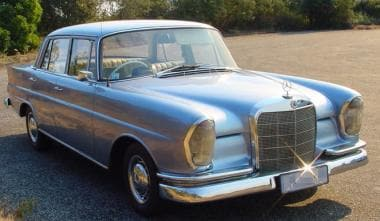 Mercedes-Benz 220b Fintail (1963), first vehicle d