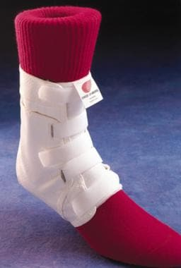 Example of a brace secured with Velcro straps. Cou