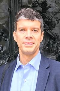 Dr. Gabriel de Freitas