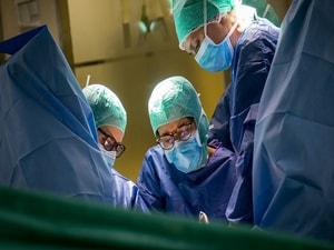 Two Surgeries at Once: Endometrial Cancer & Stress Incontinence